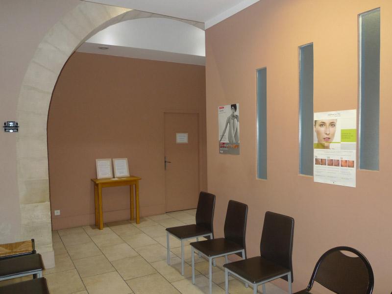 attente sièges médecin - medecin esthetique nimes