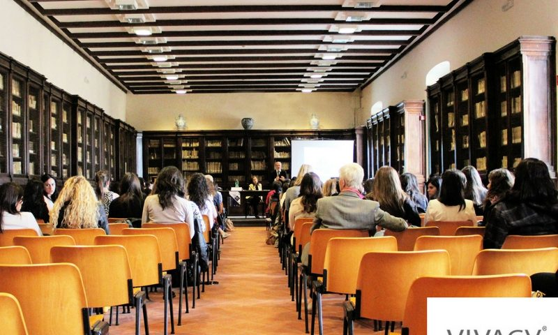 conférence médecin public - medecin esthetique nimes