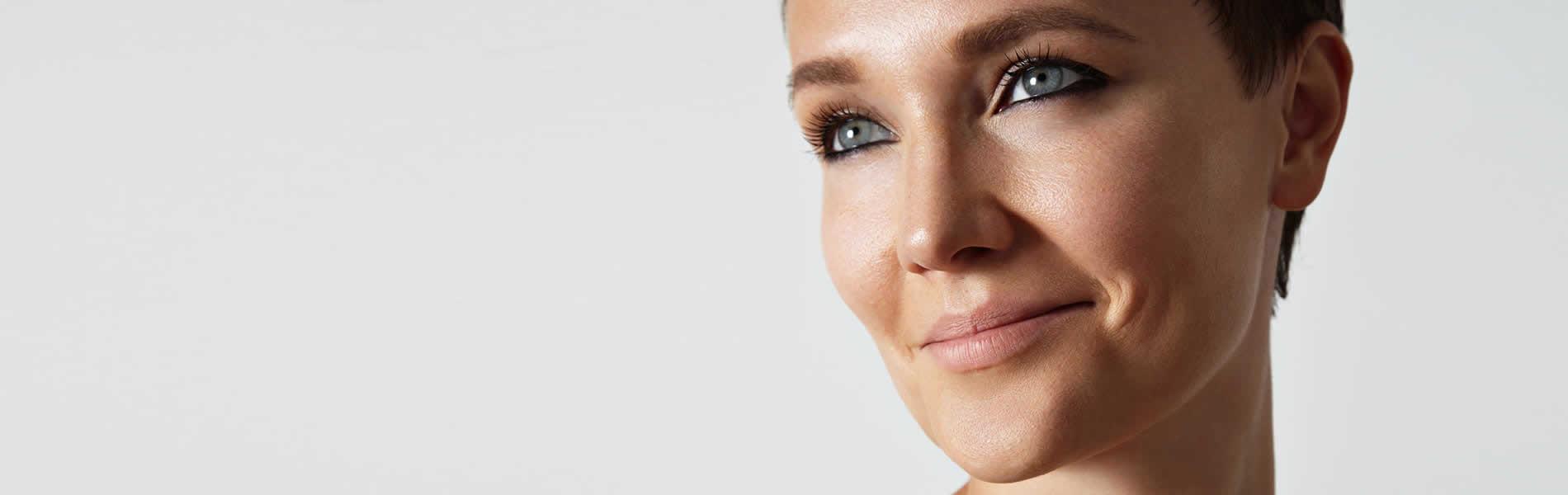 femme souriante santé - docteur deflaux